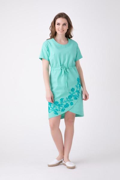 Літнє плаття середньої довжини з вишивкою