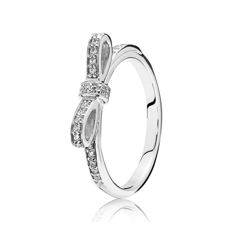 Кольцо из серебра с цирконием «Бантик»