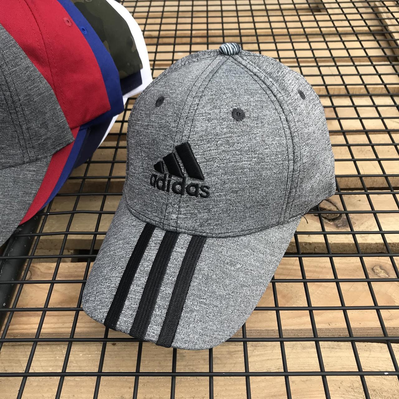 Серая молодежная кепка-бейсболка с черным логотипом Adidas (реплика)