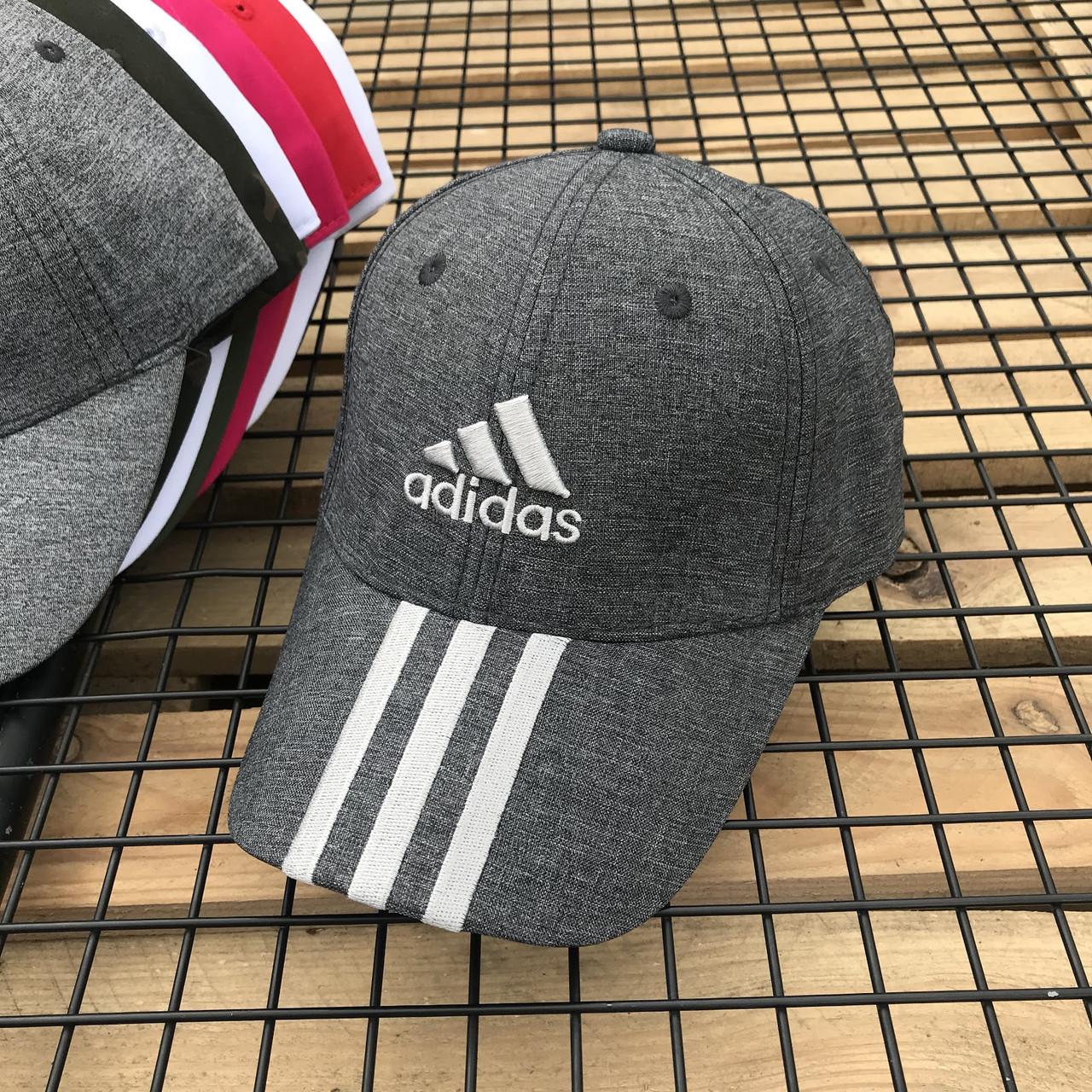 Бейсболка летняя из хлопка серого цвета с белым лого Adidas (реплика)