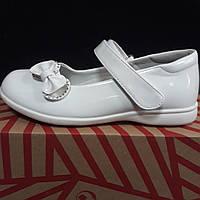 Туфли для девочки белые 31, 34 раз. с бантом