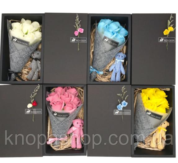 Подарочный набор мыла из роз  + игрушка  (Розовый)