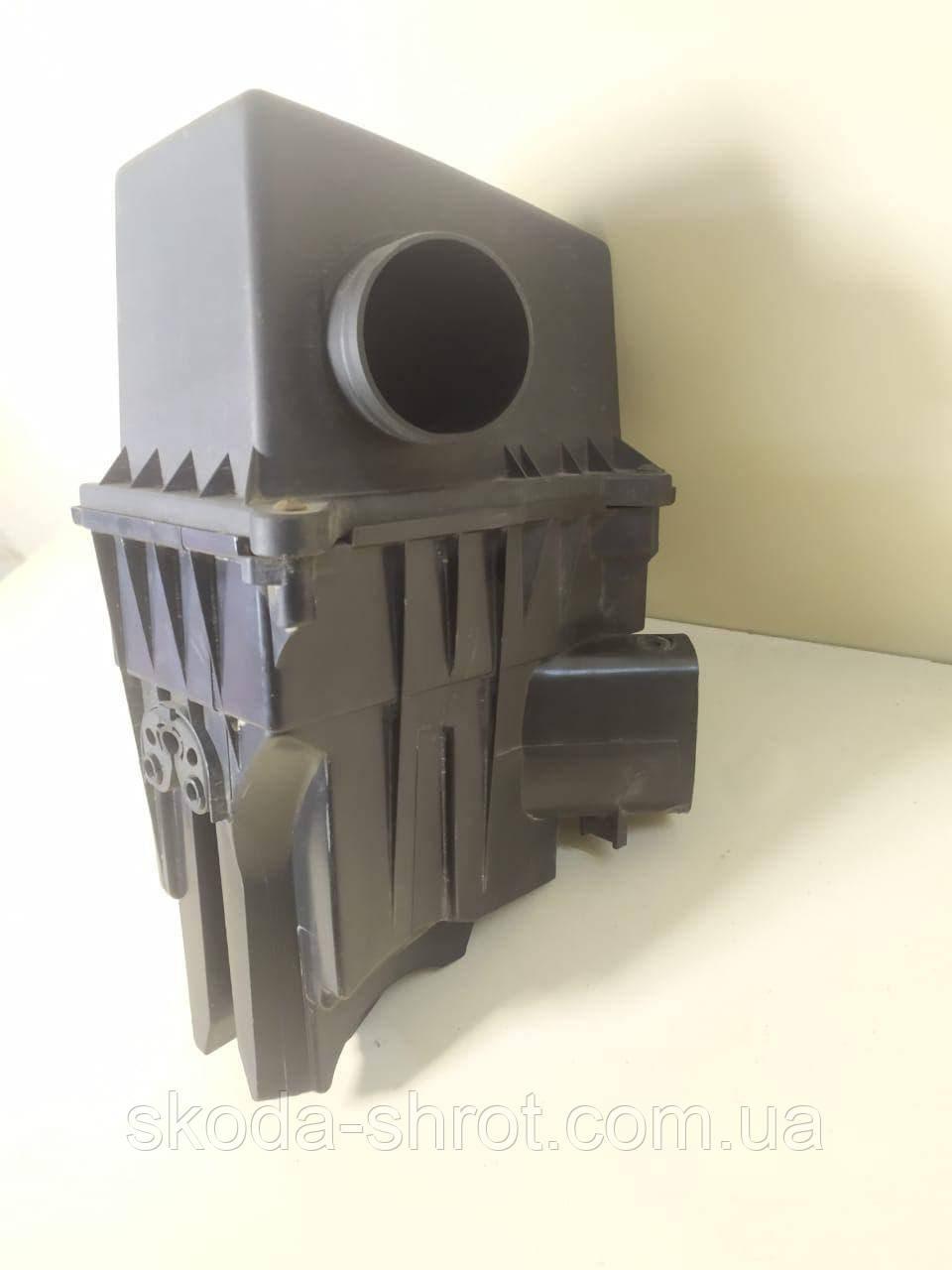 Корпус воздушного фильтра Вольксваген поло IV 9N, 6Y0129607D