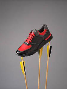 Мужские кожаные кроссовки черного цвета с красными вставками 1369467513