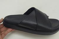 Шлепанцы женские кожаные черные на низком ходу