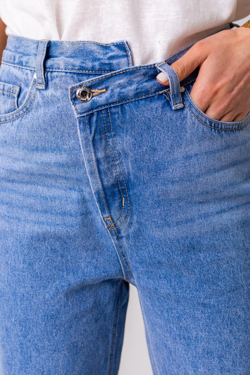 Голубые широкие и длинные джинсы с высокой посадкой в размерах: S, M, L, XL.