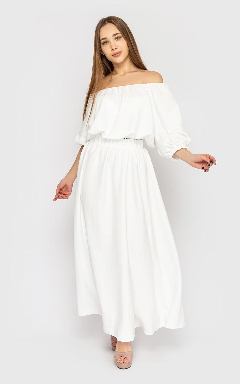 Белый женский костюм на лето