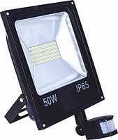 Прожектор LED 50W 6500K чорний з датчиком руху