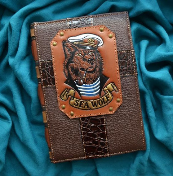"""Ежедневник А5 формата в кожаной обложке с тиснением ручной работы блок сменный не датированный """"Морской волк"""""""