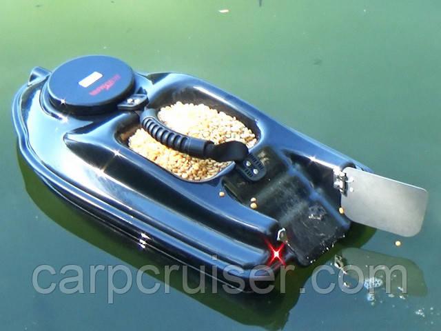 карповый кораблик для завоза прикормки