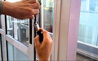 Ремонт деревянной двери со стеклопакетом