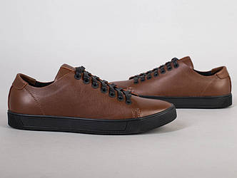 Кеды мужские кожаные коричневые на черной подошве