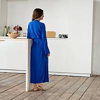 Шелковый халат женский в пол с длинными рукавами и кружевом синего цвета