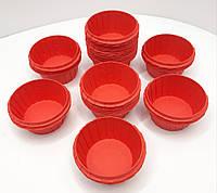 Бумажная одноразовая форма для выпечки кексов красного цвета с усиленным бортом 55х35