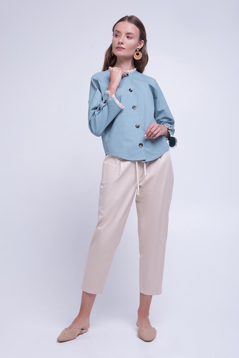 Жіноча блуза з бавовни на гудзиках з обробкою мереживом блакитна Lesya Емері 4
