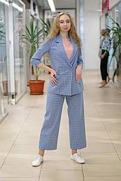 Женский  костюм  из жакета и брюк кюлотов  в  клетку голубой 619-41007