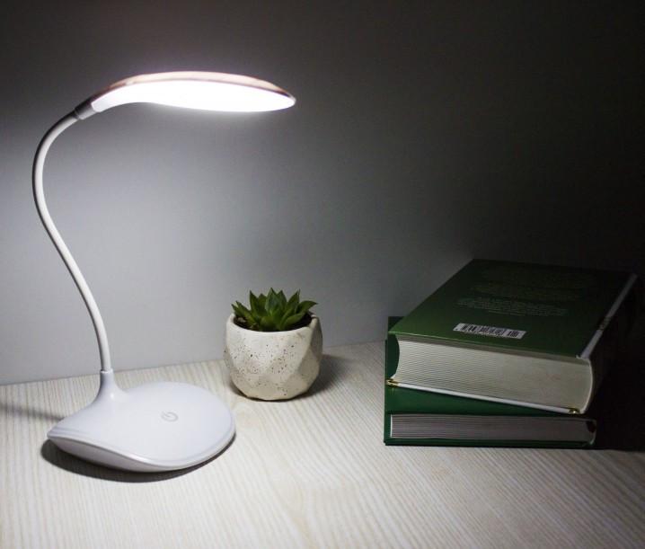 Лампа светодиодная настольная с аккумулятором Белая