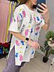 Подовжена футболка туніка з яскравим принтом трендова жіноча з розрізами з боків (р. 42-46) 33ut446, фото 6