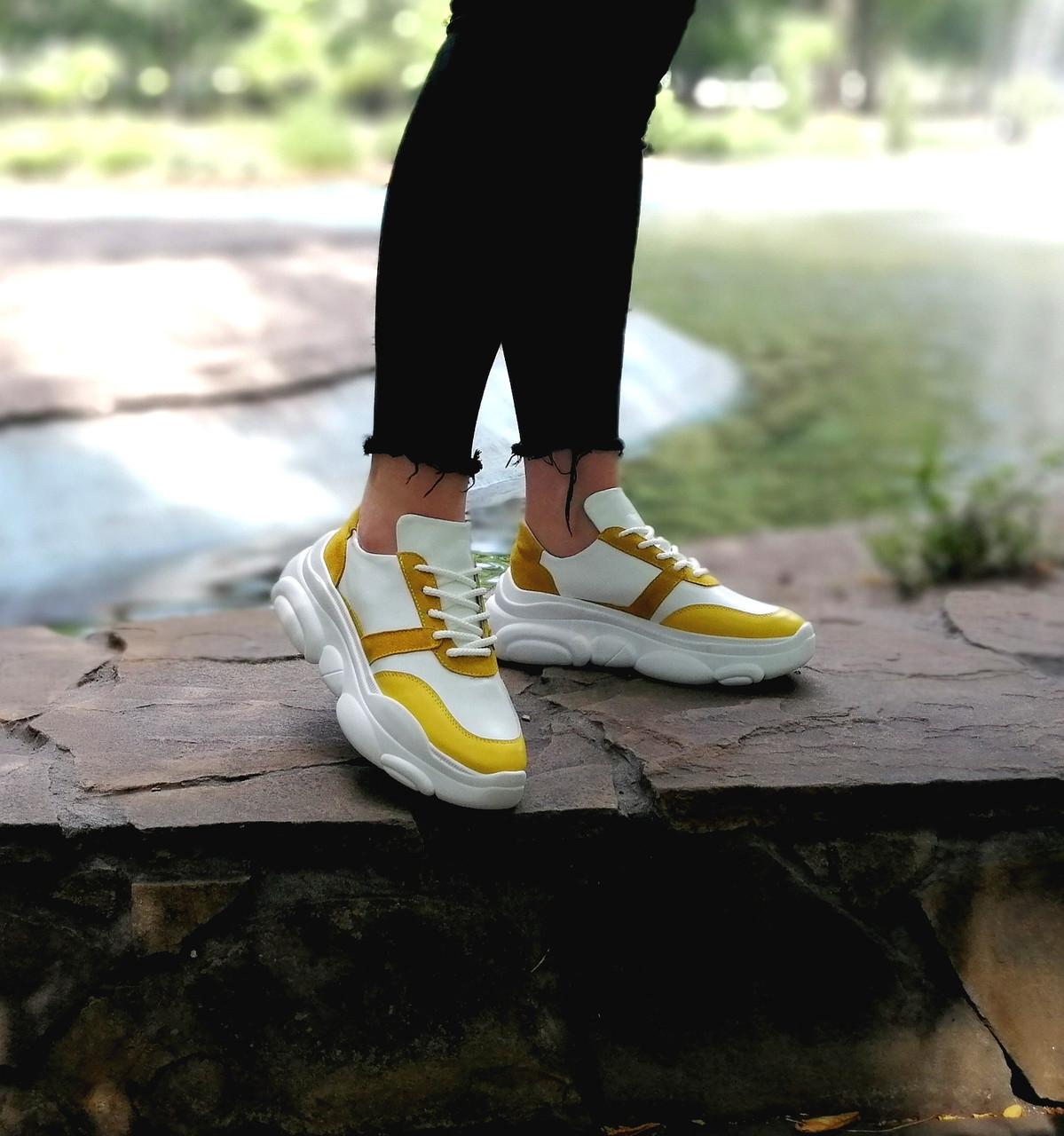 Шкіряні кросівки від виробника