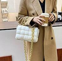 Женская сумка белая в стиле Cassette от Bottega Veneta