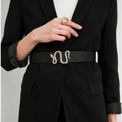 Женский ремень черный с темно-золотой бронзовой пряжкой змея эко-кожаный пояс