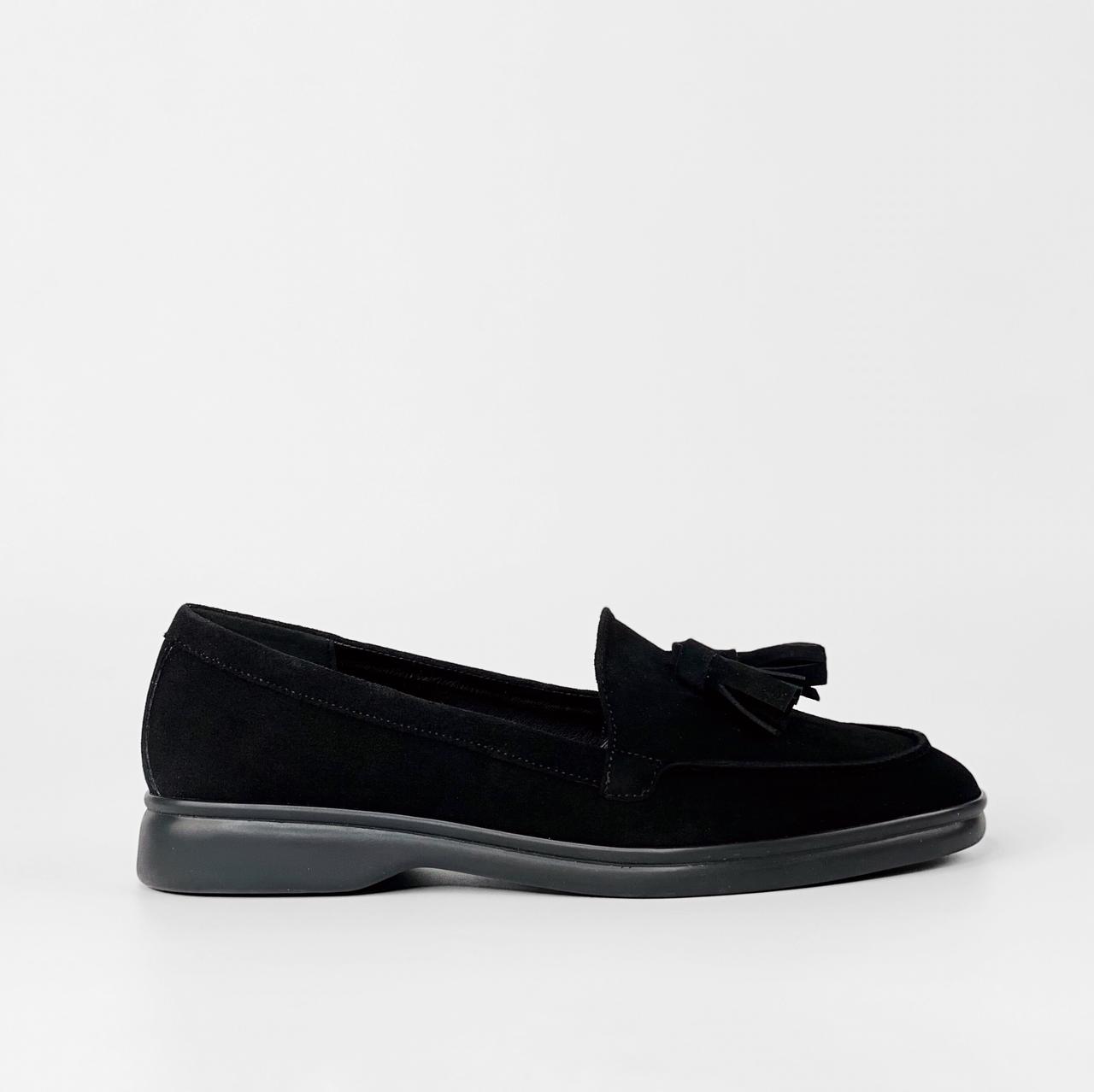Лоферы женские замшевые черные с кисточками MORENTO