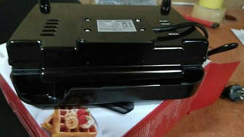 Уценка - Бутербродница Ardesto SM-H300B Марка Европы