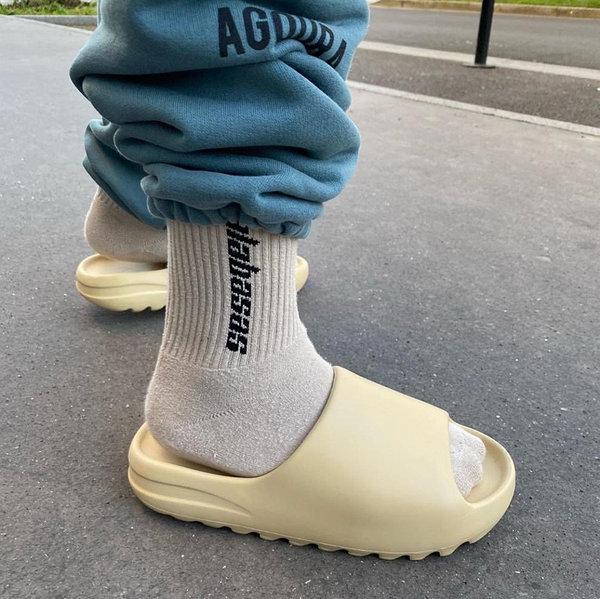 Мужские сланцы Adidas Yeezy Slide в стиле адидас изи слайд БЕЖЕВЫЕ (Реплика ААА+)