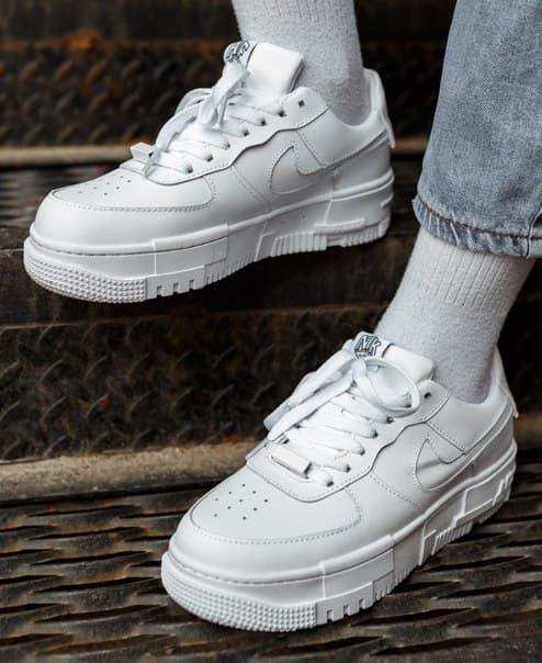 Кожаные женские кроссовки Nike Air Force Pixel White