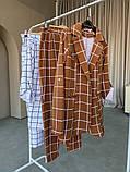 Женский стильный брючный костюм в клетку норма и батал белый кирпичный, фото 8