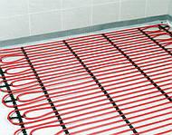 У технологічних процесах по влаштуванню стяжок для «теплих підлог» існує імовірність їх розтріскування