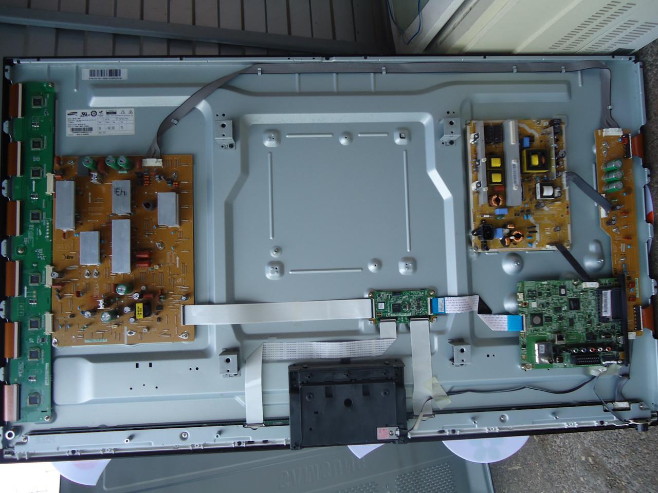 """Плазма 51"""" Samsung PS51E490B2W на запчасти (S51AX-YB01, BN94-05554G, BN40-00232A, BN44-00508A, BN44-00509A)"""