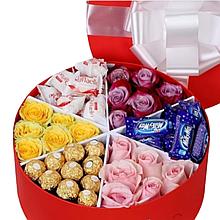 Кошик-букет коробка з цукерками та квітами Харків доставка магазин