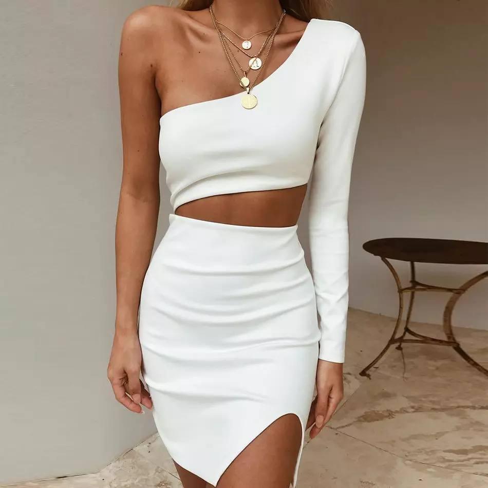 Сукня жіноча з одним рукавом. Колір: чорний, молочний. Розмір: 42-44, 46-48