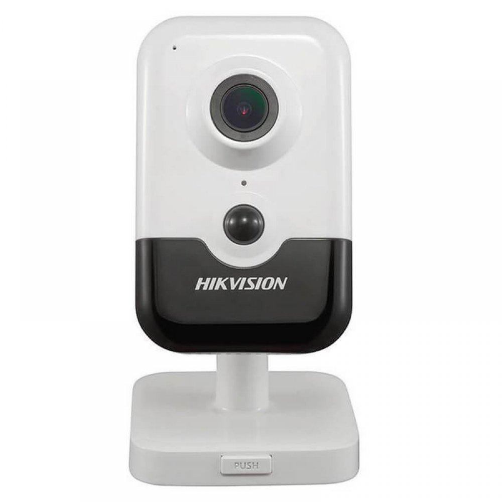 IP видеокамера Hikvision DS-2CD2421G0-IW WI-FI