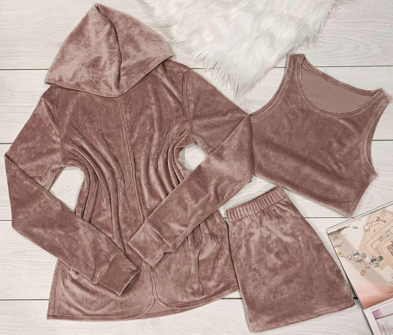 Комплект в пудровом кольорі накидка+топ+шорти з плюшу.