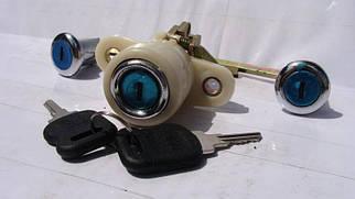 Замки дверей і багажника Волга 3110 3 замку +2 ключа (пр-во Росія)