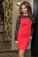 Утонченное комбинированное женское платье короткое креп со вставками гипюра батал