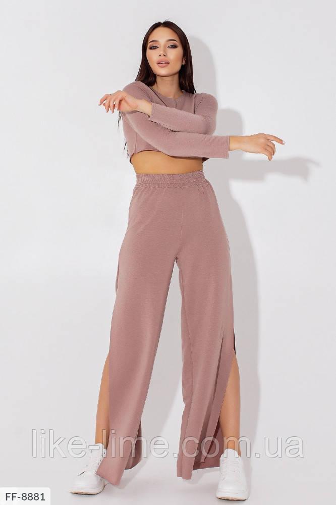 Женский стильный костюм с штанами клеш ,костюм в спортивном стиле с разрезами на штанах