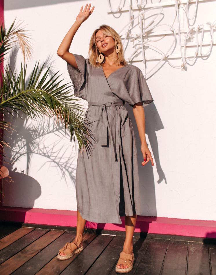 Женское льняное платье-халат на запахе