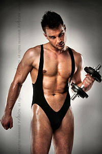 Мужское боди с очень глубоким декольте Passion 011 BODY black L/XL
