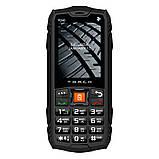 Телефон защищенный кнопочный противоударный водонепроницаемый с мощным фонариком 2E R240 (2020) черный, фото 2