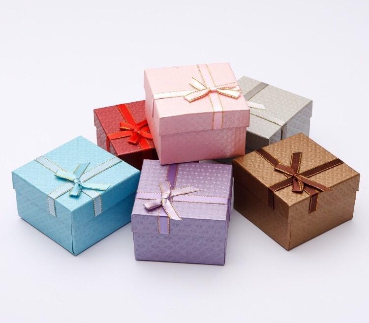 Подарочная коробочка с подушечкой для часов
