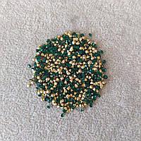 Стразы камушки цвет зеленый d-3(+-)мм уп.\10гр.(+-)