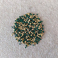 Стразы камушки цвет зеленый d-2,5(+-)мм уп.\10гр(+-)