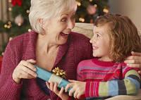 Что подарить бабушке на Новый год?