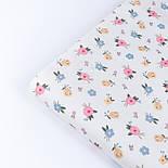 """Сатин тканина """"Одиночні мілкі квіточки"""" на білому №3445с, фото 3"""