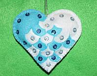 Игрушка из фетра Сердечко бело-голубое  2535, фото 1