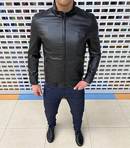 Чоловіча куртка на весну. Тепла, комфортна і стильна. Відмінно сідає по фігурі. Розміри: S-2XL.