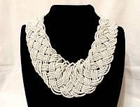 Ожерелье из бисера, белого цвета